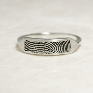 Delicate fingerprint signet ring
