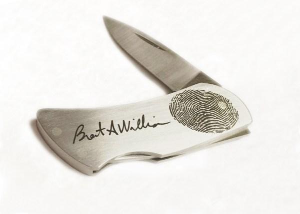 pocket knife with fingerprint
