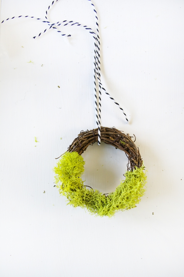 Mini Moss Wreath Gift Toppers