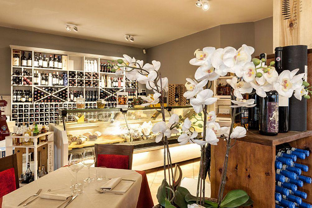 Ristorante Nuovo Nando  Brescia  In collina a due passi dal centro Cucina tipica trentina e