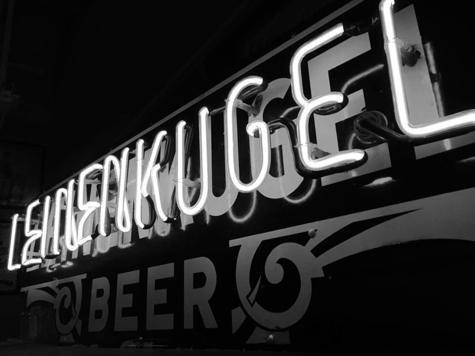 leinenkugel beer neon sign artkraft sign company