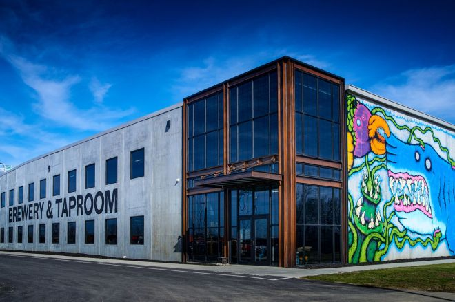 SUPERSIZE ME: BREWDOG BREAKS INTO U.S. WITH ITS BIGGEST BAR TO DATE