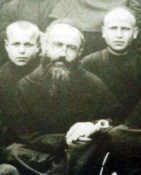 Święty Maksymilian Maria Kolbe i jego współbracia