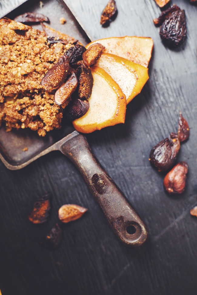 fig oatmeal bake for breakfast or dessert