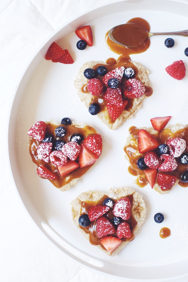 Lemon Cream & Berries Waffles for #valentinesday #vegan