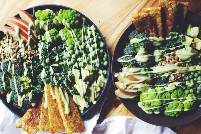 green goddess salad with tempeh