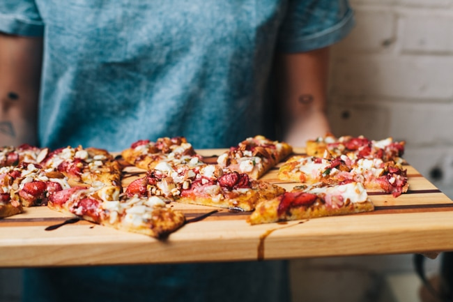 strawberry balsamic summer flatbread
