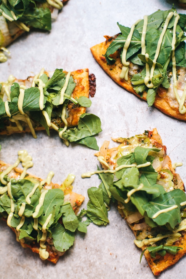 green goddess flatbread using @amyskitchen spinach pizza
