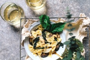 White Bean and Kale White Wine Pasta | Brewing Happiness
