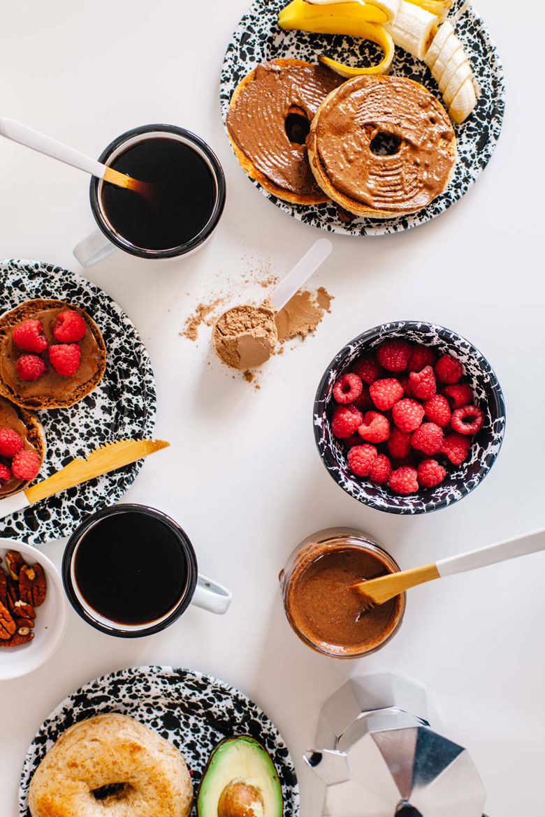 This Chocolate Pecan Protein Spread is like a healthy nutella made with a plant-based protein powder so it will keep you fueled for longer! #vegan #protein #healthy | Brewing Happiness