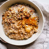 The Creamiest Apple Pie Oatmeal | Brewing Happiness
