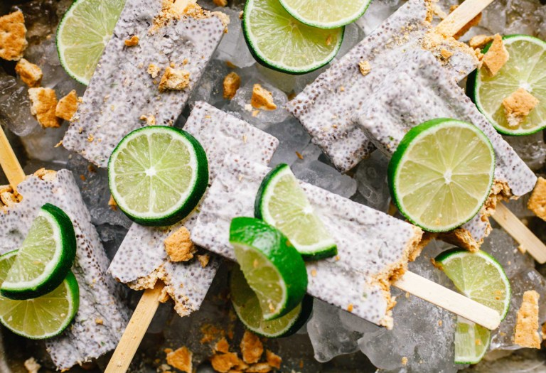 Key Lime Pie Chia Pudding Popsicles | #popsicleweek
