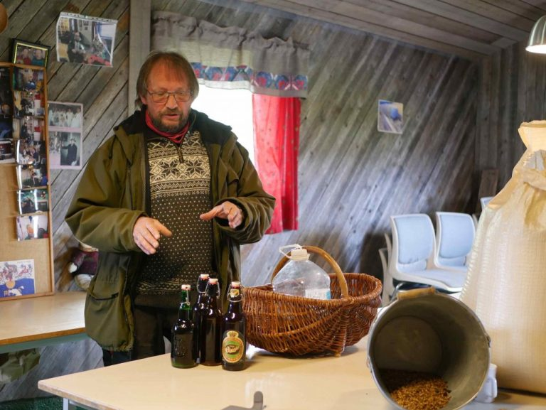Jørund Geving in the såinnhus of his malting team Søndergård.