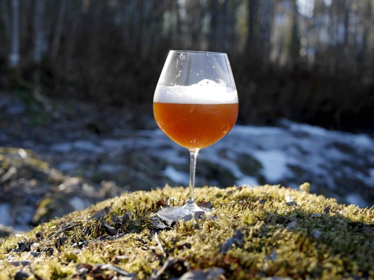 Raw pale ale fermented with kveik