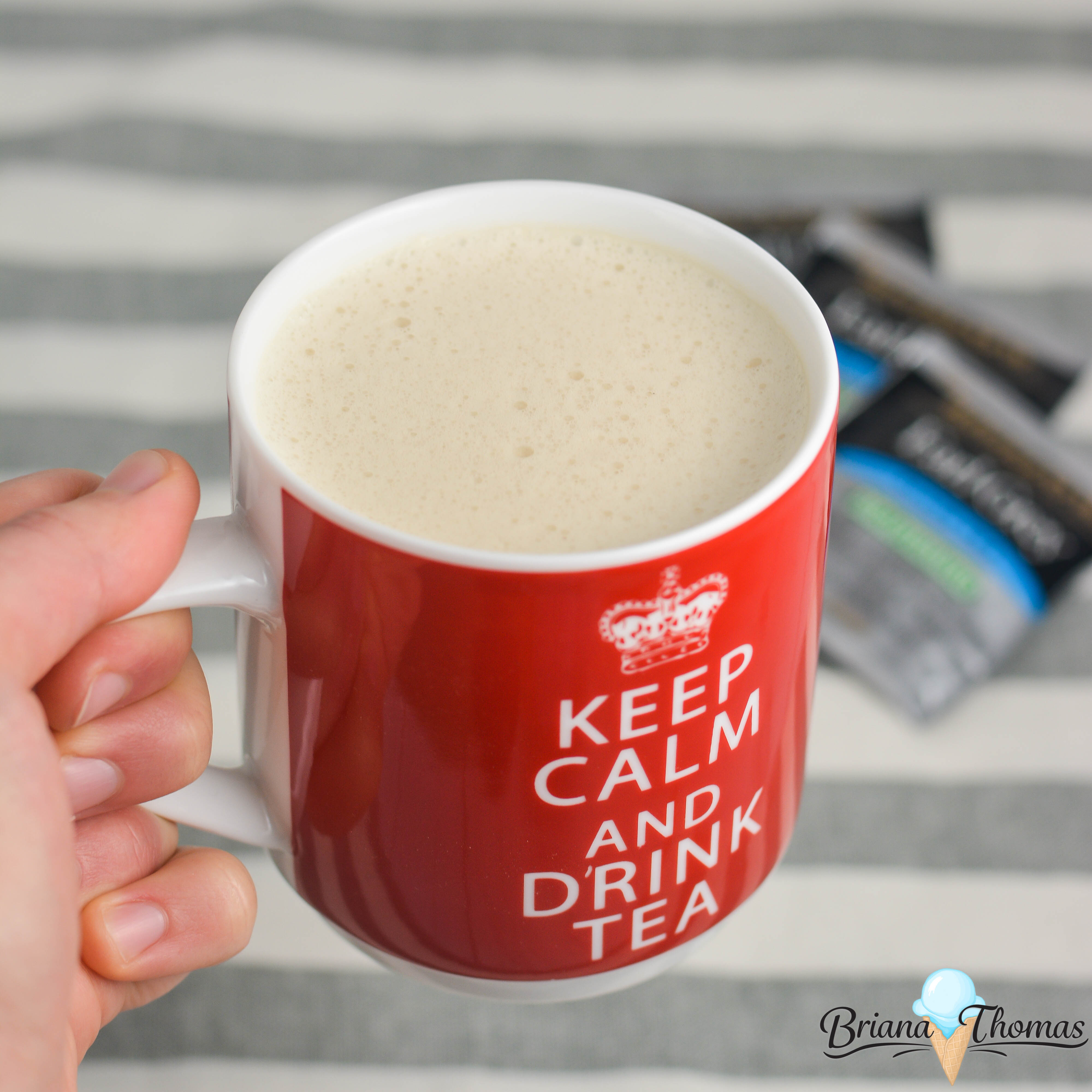 This delicious Velvety Earl Grey is my take on a London Fog and fits into a THM Deep S setting! Metabolism-revving, low carb, sugar free, with gluten/egg/dairy/nut free options