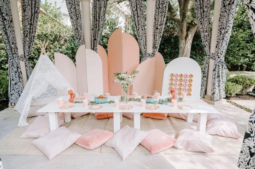 Wanderlust Picnic luxury picnic full display for one sweet peach birthday