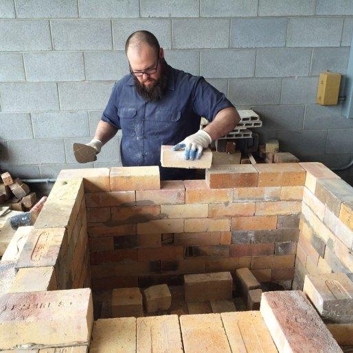 Soda kiln - Building the straight walls