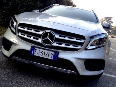 GLA Mercedes calandra