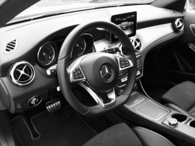 GLA Mercedes interno
