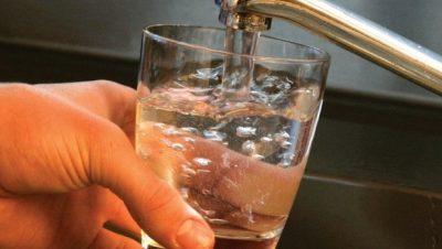 Acqua potabile bicchiere Brianzacque