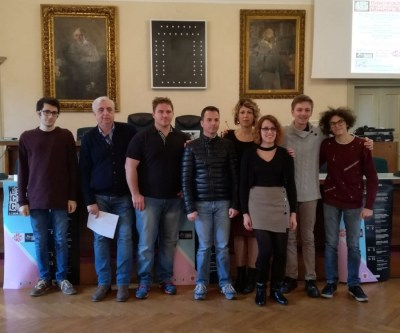 Foto di gruppo alla presentazione della rassegna cinematografica lecchese CineInCittà