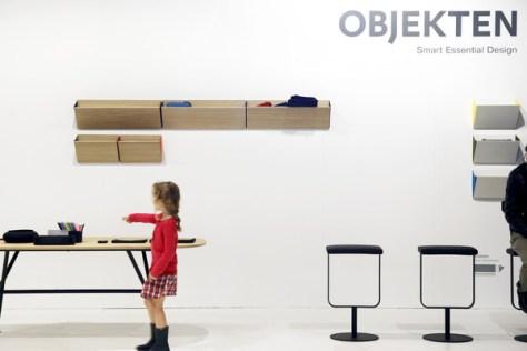 20121021_Interieur_OBJEKTEN_OVAL_TABLE_DESIGN_SLIM_LEANING04_grande