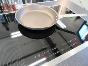 Un fornello a induzione è perfettamente piano