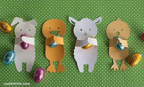 animali abbraccia ovetti per Pasqua