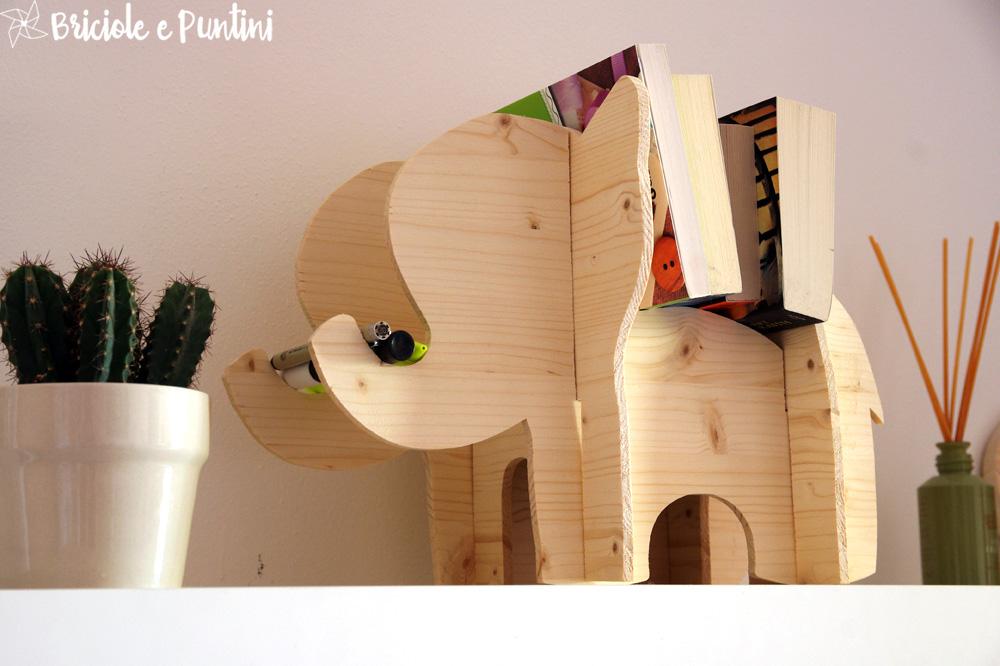 Elefantino porta libri in legno briciole e puntini - Porta libri montessori ...