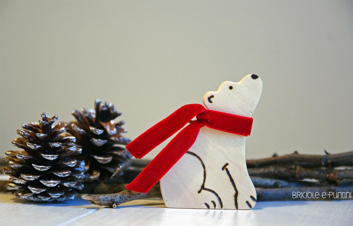 Alberi Di Natale In Legno Addobbati : Addobbi fai da te per l albero di natale orso polare pirografato