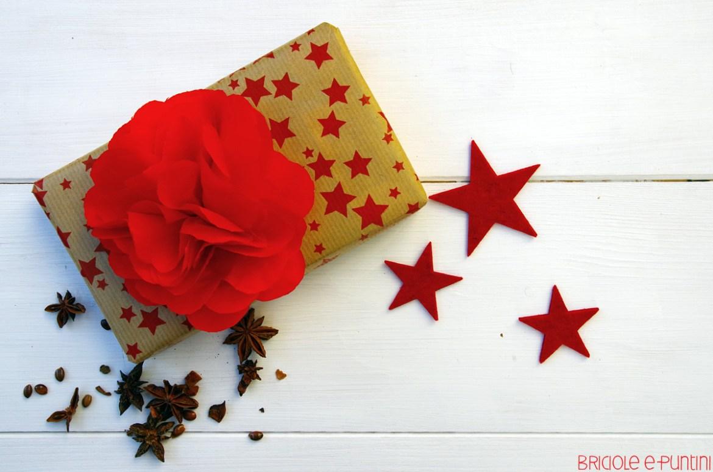 packaging di Natale - pompom di carta velina