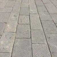 Lastricato in pietra arenaria stradale di recupero