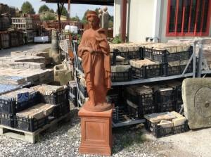 statua in terracotta antica