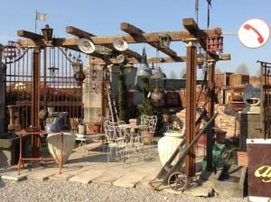 gazebo in ferro industriale e legno di recupero