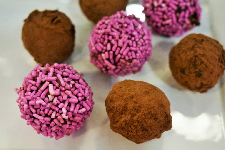 Easy Dessert Recipes | Chocolate Truffles Recipe - Brickellista Files