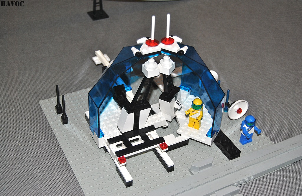 https://i0.wp.com/www.brickshelf.com/gallery/Havoc/Reviews/Futuron/51.jpg