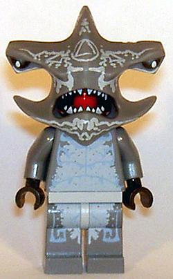 https://i0.wp.com/www.brickshelf.com/gallery/mirandir/Recensioner/7977/shark_front.jpg