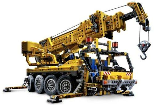 8421 Mobile Crane