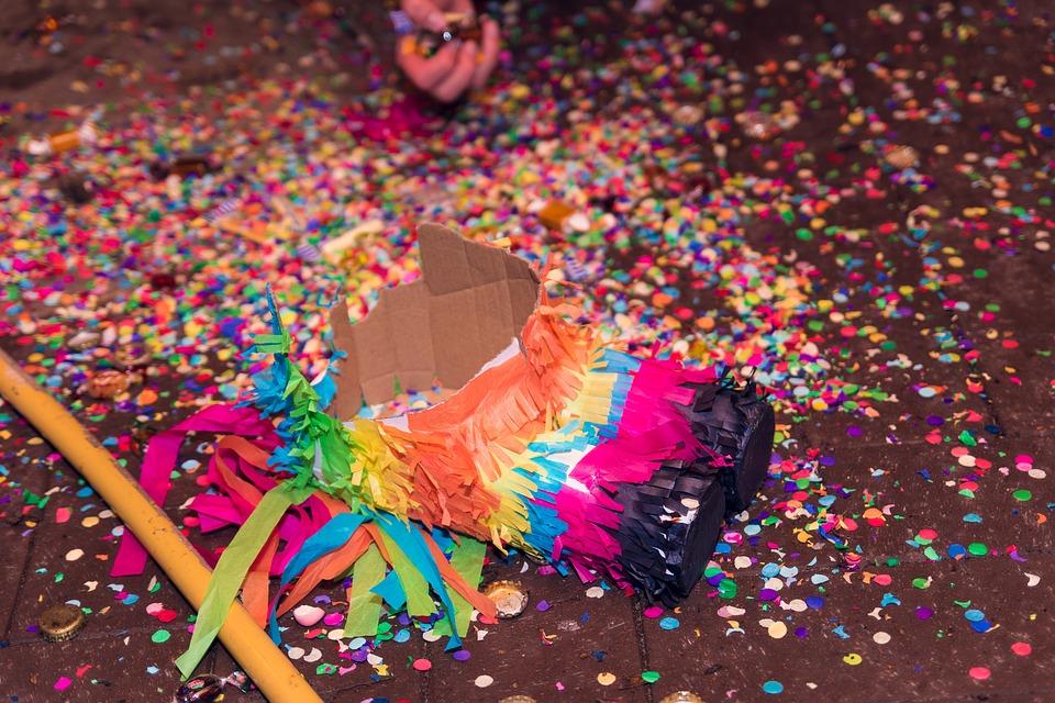 Une piñata licorne, rien de plus facile