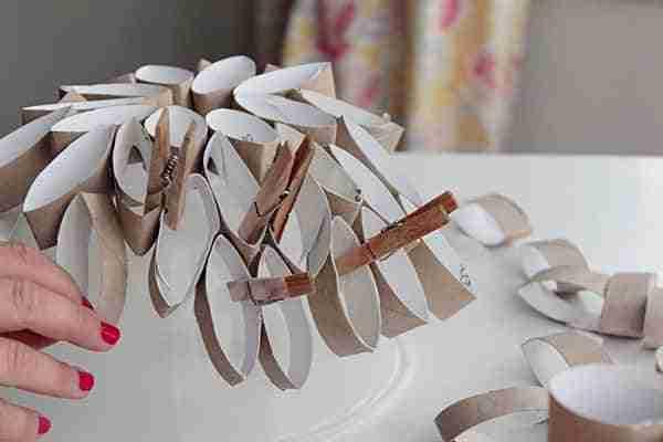 hacer una lmpara con rollos de papel higinico