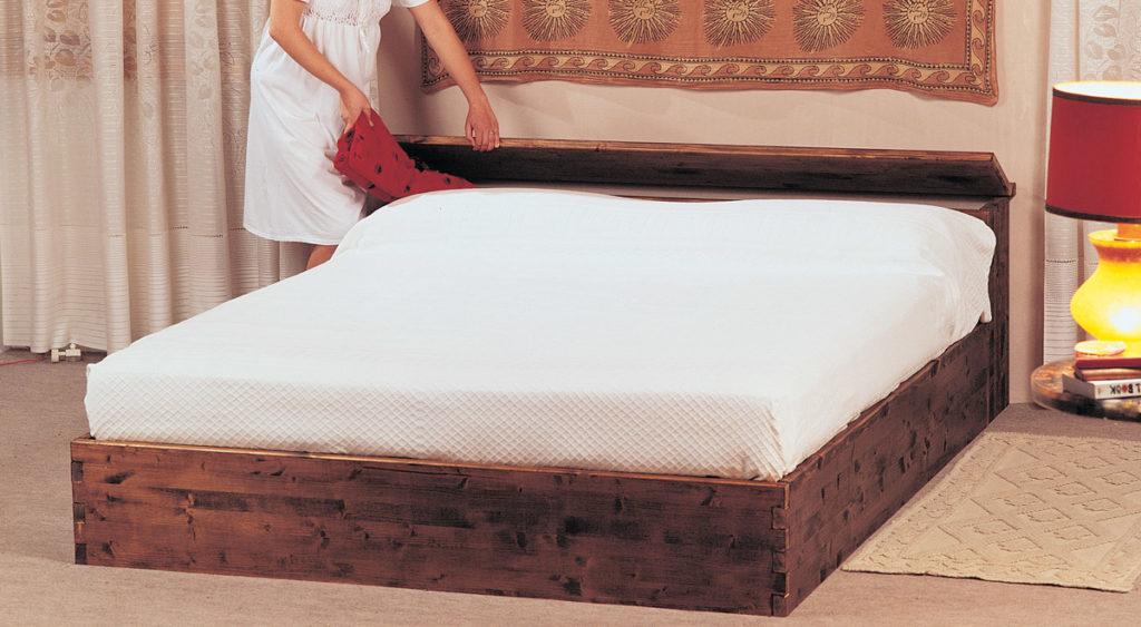 Come costruire un letto contenitore in legno massello