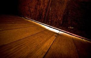 puerta rendija luz