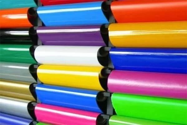 C mo instalar vinilo adhesivo sin burbujas funciona 100 for Rollo papel vinilico