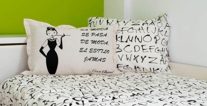 decorar-con-vinilo-textil-cojin