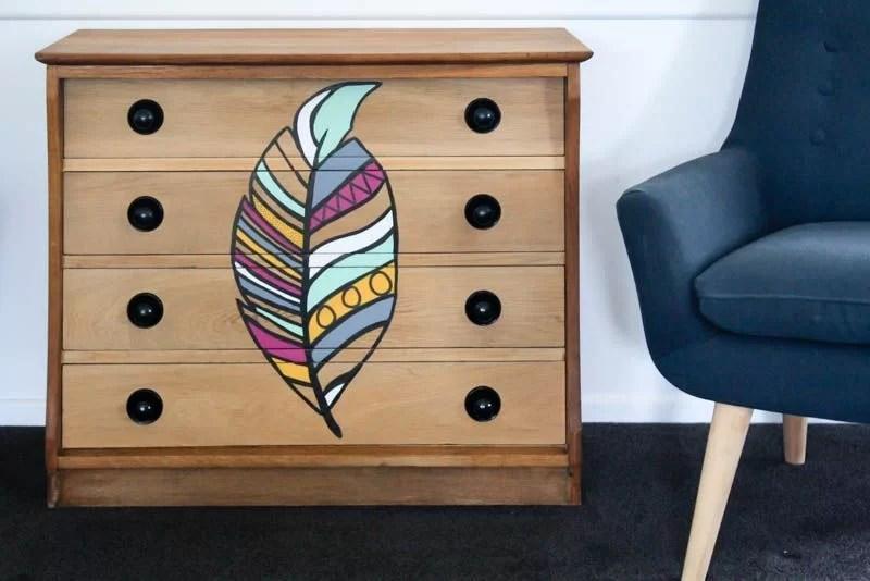 reciclar una cómoda con pintura