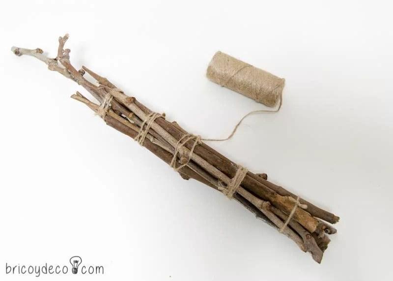 troncho hecho con ramas para topiario
