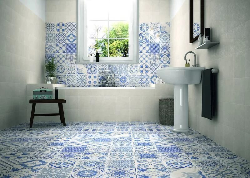 50 ideas para decorar con baldosas hidr ulicas - Azulejos pared salon ...
