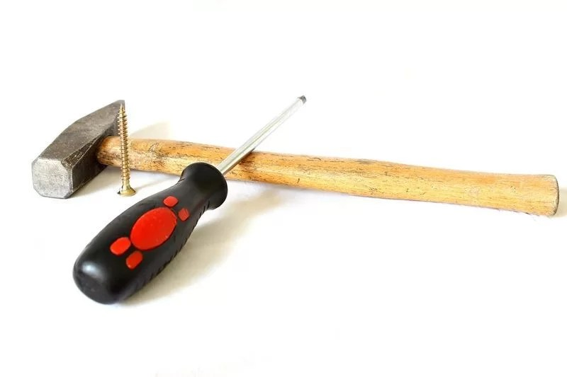 herramientas imprescindibles para tapizar