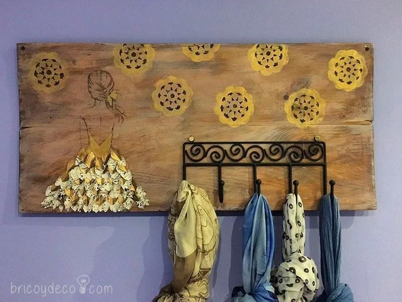 perchero con madera reciclada