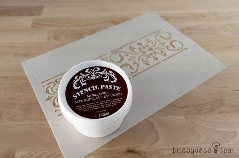 materiales para realizar un stencil con pasta relieve